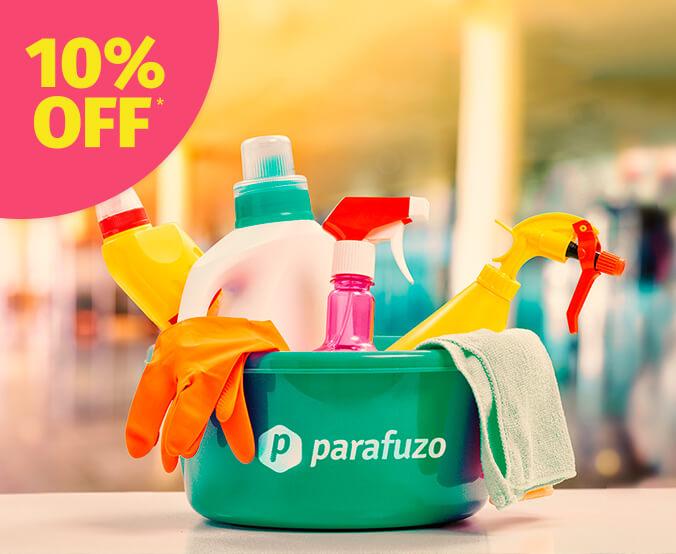 FOTO: Imagem de um balde com logo da Parafuzo e produtos de limpeza dentro