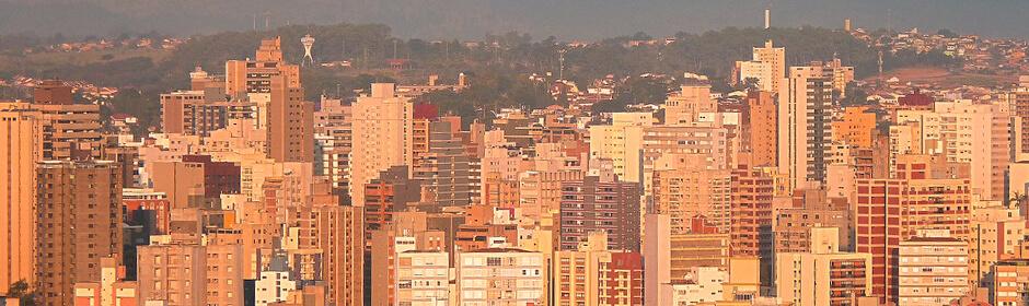 FOTO: imagem panorâmica da cidade de Campinas